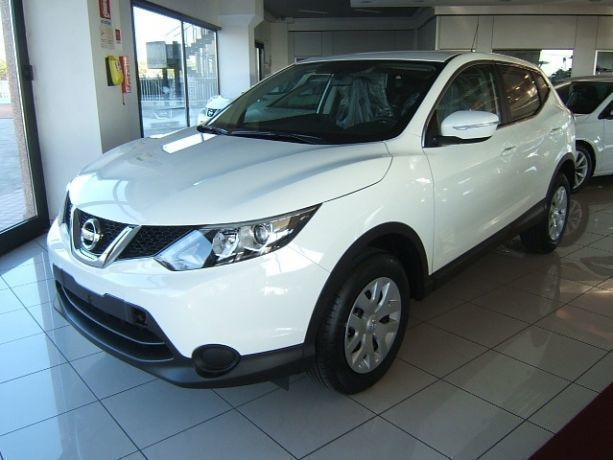 sold nissan qashqai 1 5 dci dpf vi used cars for sale. Black Bedroom Furniture Sets. Home Design Ideas