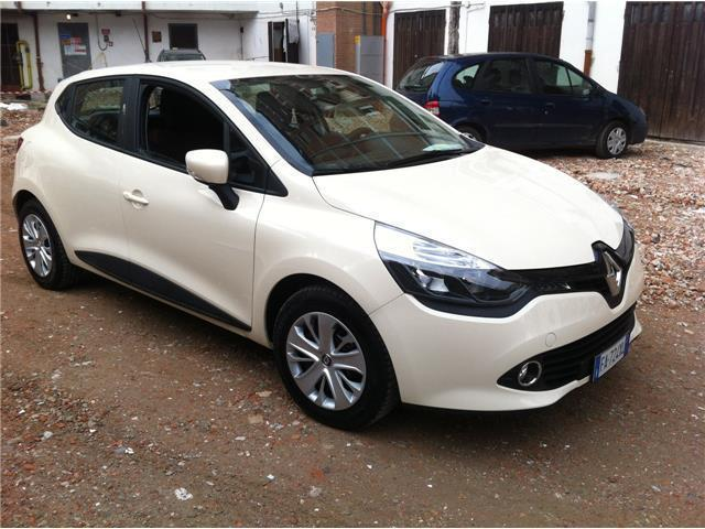 sold renault clio gpl wave pronta used cars for sale autouncle. Black Bedroom Furniture Sets. Home Design Ideas