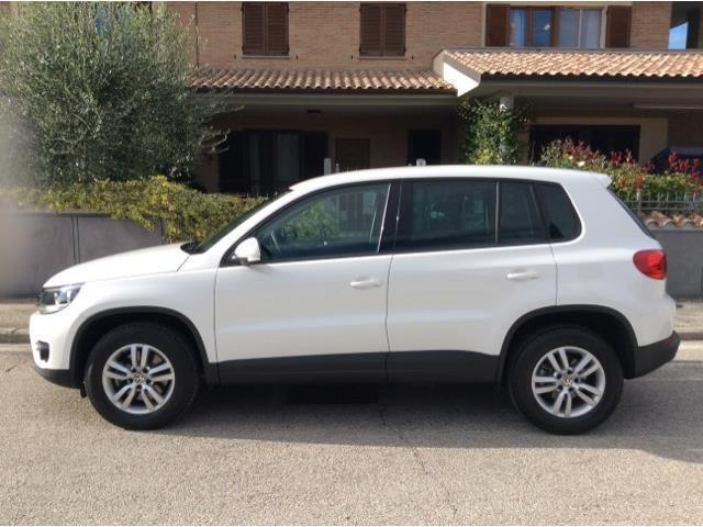 sold vw tiguan 2 0 tdi 110 cv busi used cars for sale autouncle. Black Bedroom Furniture Sets. Home Design Ideas