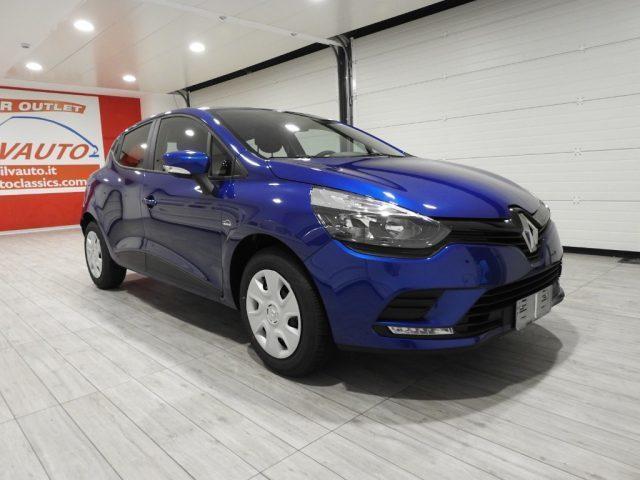 Renault clio 1 5 diesel 75 cv 2017 grumello del mont for Clio bianco avorio