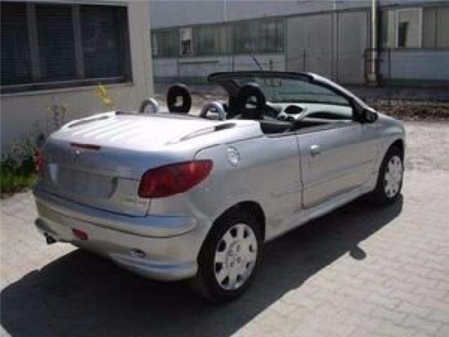 usato 1 6 16v cabrio unicoproprietario peugeot 206 cc 2005 km in villaga vicenza. Black Bedroom Furniture Sets. Home Design Ideas
