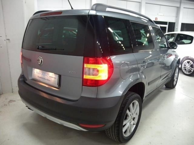 usato 1 2 tsi dsg experience skoda yeti 2010 km in pisa pi. Black Bedroom Furniture Sets. Home Design Ideas