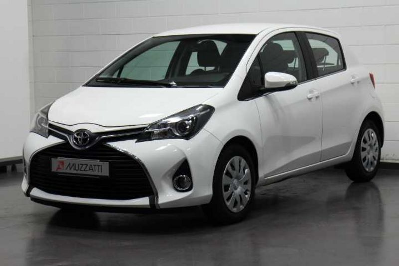sold toyota yaris 1 4 d 4d 5 porte used cars for sale. Black Bedroom Furniture Sets. Home Design Ideas