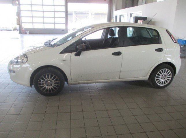 sold fiat grande punto van 1 3 m used cars for sale autouncle. Black Bedroom Furniture Sets. Home Design Ideas