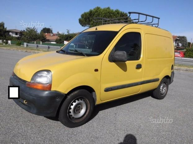 usato usata 2000 renault kangoo 2000 km in torino torino. Black Bedroom Furniture Sets. Home Design Ideas