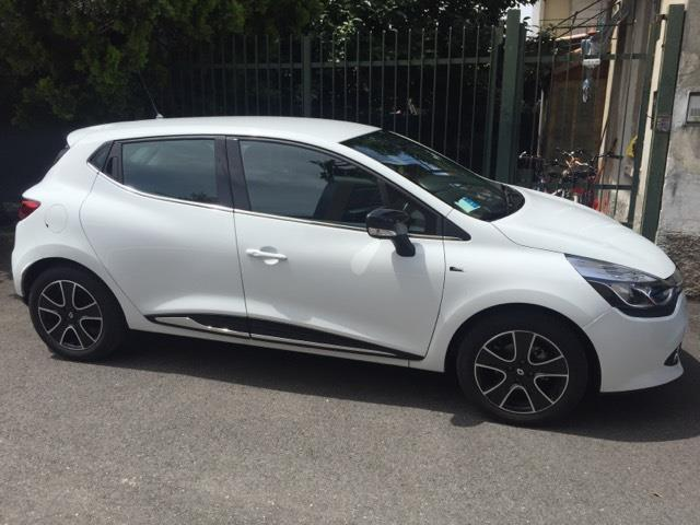 sold renault clio nuova clio sport used cars for sale. Black Bedroom Furniture Sets. Home Design Ideas