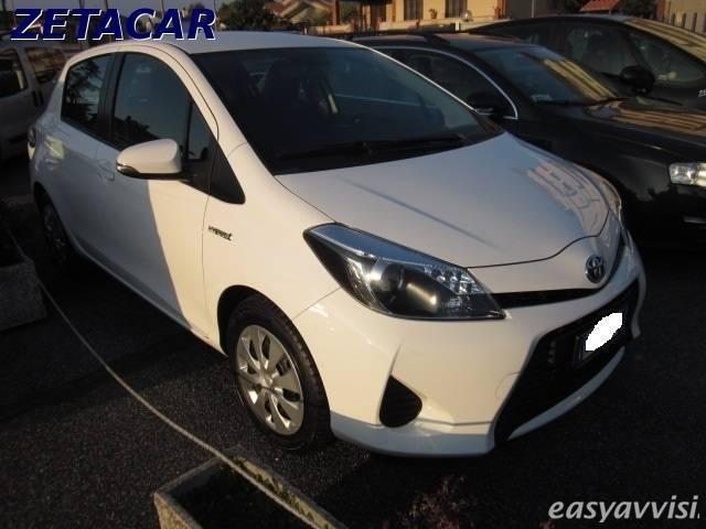 sold toyota yaris hybrid 1 5 5 por used cars for sale autouncle. Black Bedroom Furniture Sets. Home Design Ideas