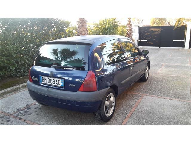 sold renault clio 1 9 dti cat 3 po used cars for sale autouncle. Black Bedroom Furniture Sets. Home Design Ideas