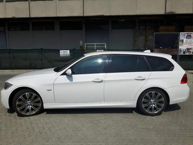 sold bmw 330 xd touring msport 2 used cars for sale autouncle. Black Bedroom Furniture Sets. Home Design Ideas
