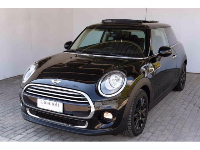 sold mini cooper d 5 porte 1 5 used cars for sale autouncle. Black Bedroom Furniture Sets. Home Design Ideas