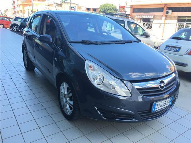 usato 1 3 cdti 90cv 5 porte cosmo opel corsa 2007 km in gioia tauro reg. Black Bedroom Furniture Sets. Home Design Ideas