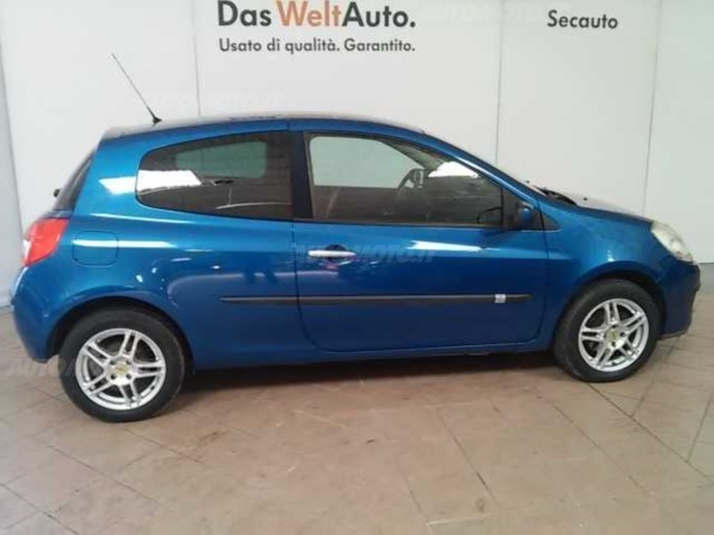 sold renault clio 1 5 dci 70cv 3 p used cars for sale autouncle. Black Bedroom Furniture Sets. Home Design Ideas