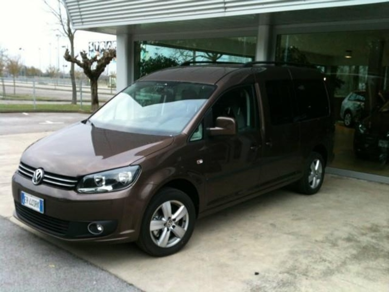 sold vw caddy maxi 7 posti 1 6 tdi used cars for sale autouncle. Black Bedroom Furniture Sets. Home Design Ideas