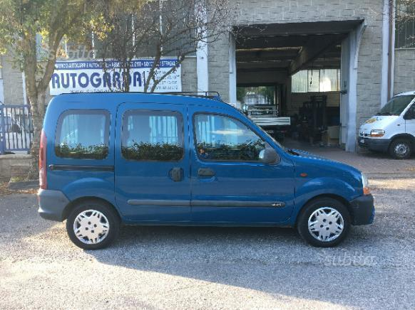 sold renault kangoo 1 9 dti gancio used cars for sale autouncle. Black Bedroom Furniture Sets. Home Design Ideas