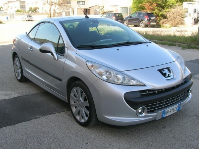 usato 1 6 hdi 110cv cc tecno peugeot 207 cc 2007 km in montemesola tara. Black Bedroom Furniture Sets. Home Design Ideas