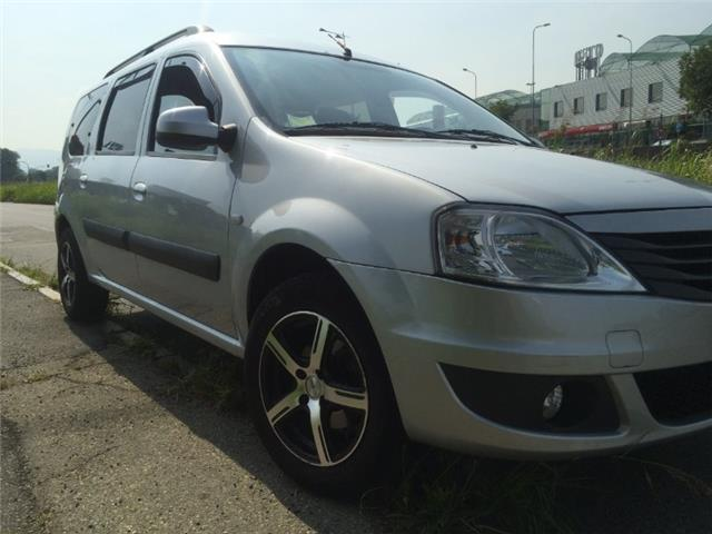 sold dacia logan mcv 1 6 gpl 7 pos used cars for sale autouncle. Black Bedroom Furniture Sets. Home Design Ideas