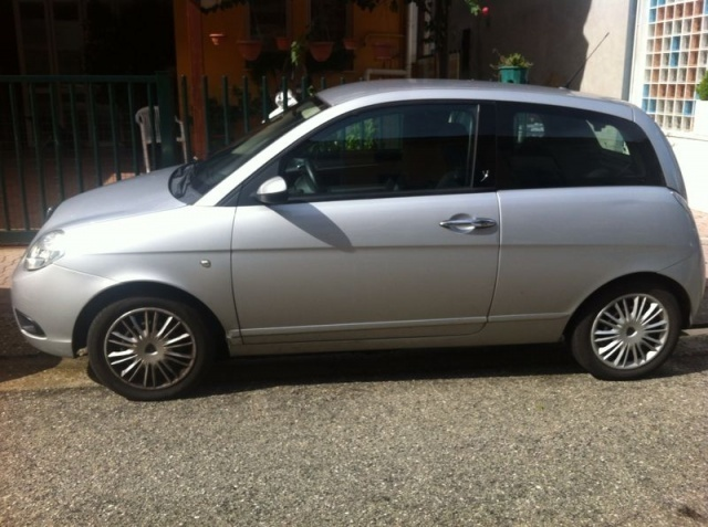 Lancia Thesis for Sale in UAE (2790 ads)