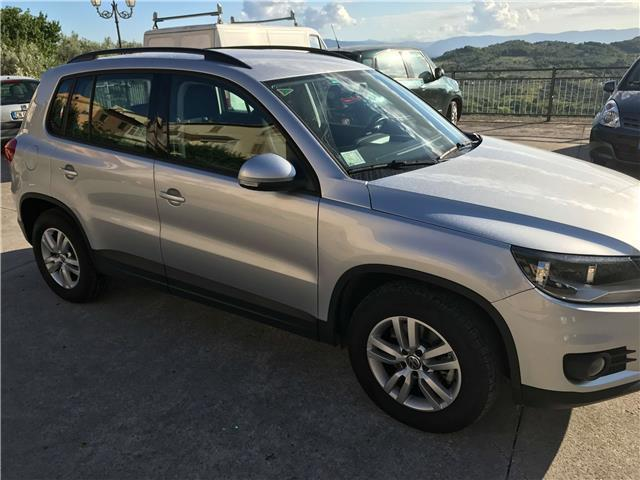 sold vw tiguan 2 0 tdi dpf dsg 4 m used cars for sale autouncle. Black Bedroom Furniture Sets. Home Design Ideas