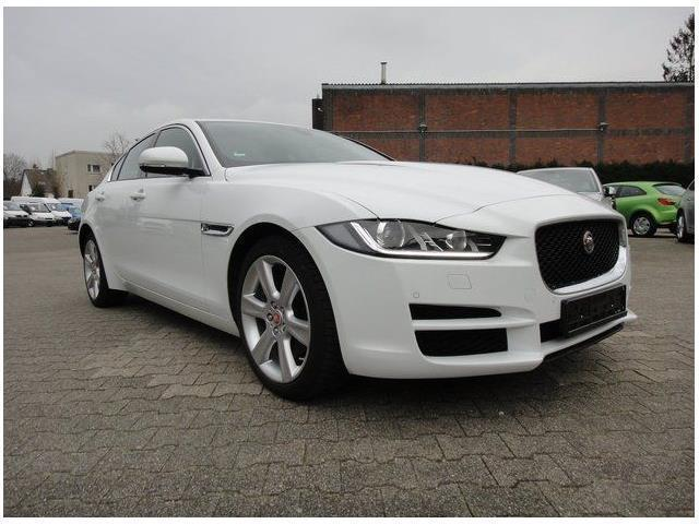 sold jaguar xe 2 0d navigatore pu used cars for sale autouncle. Black Bedroom Furniture Sets. Home Design Ideas