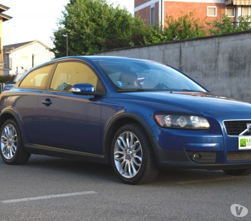 sold volvo c30 1 6 d momentum ot used cars for sale autouncle. Black Bedroom Furniture Sets. Home Design Ideas