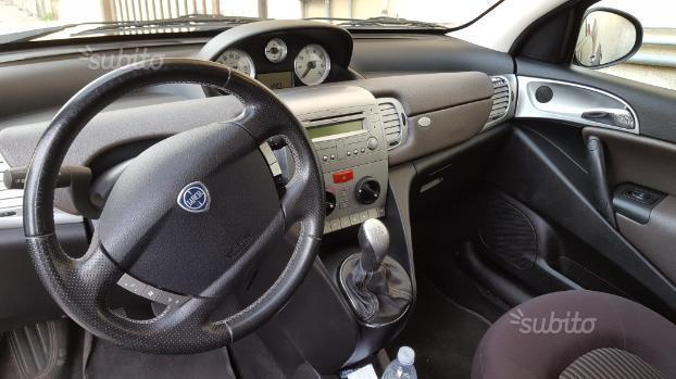 Sold lancia ypsilon ypsilon diva 1 used cars for sale autouncle - Lancia y diva 2011 ...