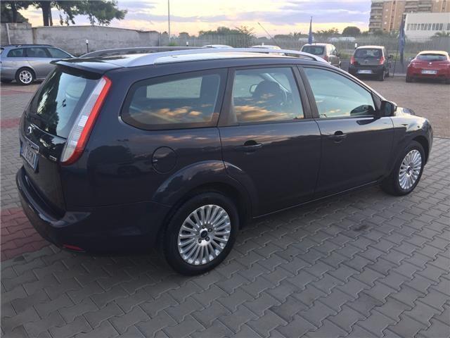 usata Ford Focus 1.6 tdci (110cv) sw dpf diesel station wagon grigio chiaro