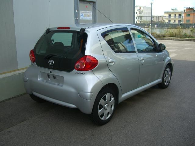 sold toyota aygo turbodiesel 5 used cars for sale autouncle. Black Bedroom Furniture Sets. Home Design Ideas