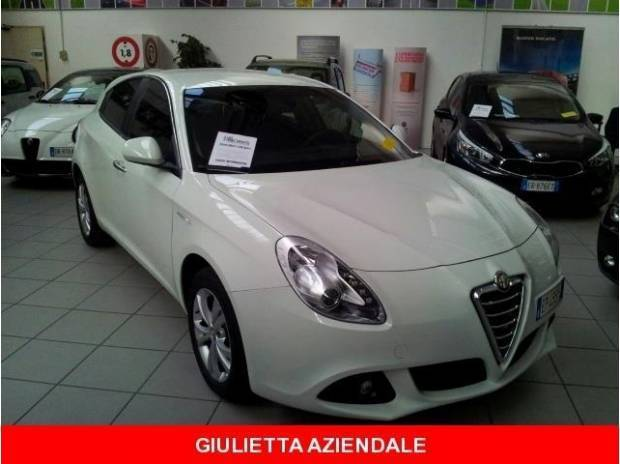 usato jtdm 2 105 cv distinctive alfa romeo giulietta 2012 km in biella bi. Black Bedroom Furniture Sets. Home Design Ideas