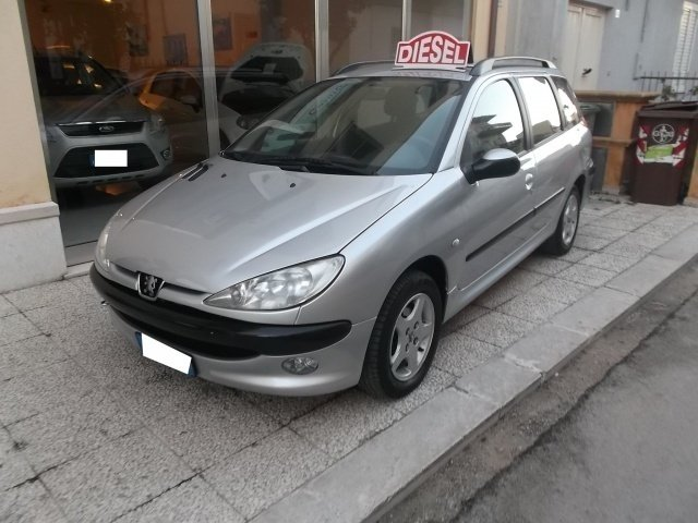 sold peugeot 206 1 4 hdi sw xs used cars for sale. Black Bedroom Furniture Sets. Home Design Ideas