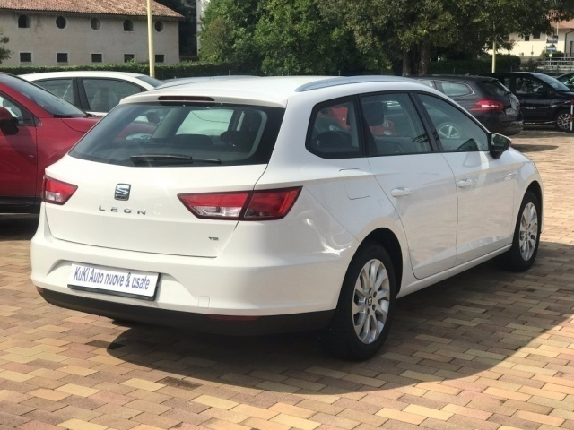 sold seat leon 1 6 tdi 105 cv 3p used cars for sale autouncle. Black Bedroom Furniture Sets. Home Design Ideas