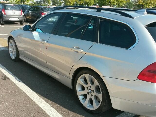 sold bmw 330 xd dpf touring aut used cars for sale autouncle. Black Bedroom Furniture Sets. Home Design Ideas