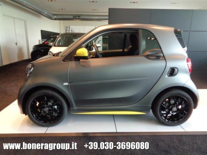 sold smart fortwo coup fortwo90 0 used cars for sale. Black Bedroom Furniture Sets. Home Design Ideas
