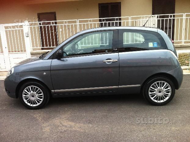 Sold lancia ypsilon 2 serie 1 3 mj used cars for sale - Lancia y diva 2011 prezzo ...