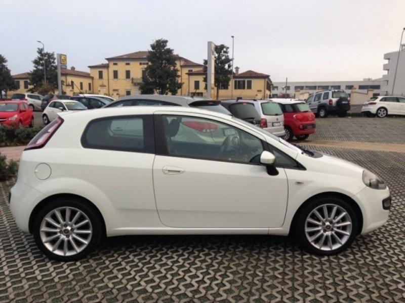gebraucht Fiat Punto Evo PUNTO EVO 1.4 M.AIR 3P. TURBO S&S FUN