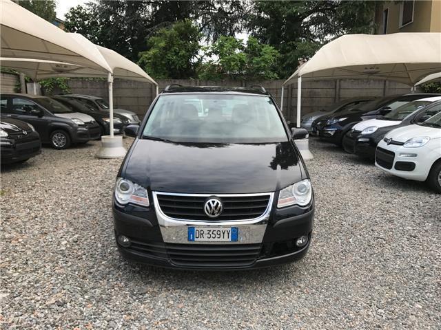sold vw touran 1 9 tdi 105cv dpf c used cars for sale. Black Bedroom Furniture Sets. Home Design Ideas