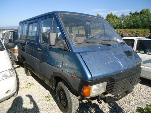sold renault trafic 4x4 pulmino 9 used cars for sale autouncle. Black Bedroom Furniture Sets. Home Design Ideas