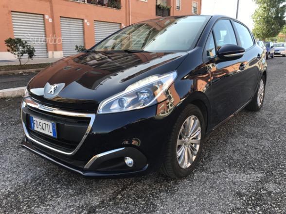 Venduto Peugeot 208 BlueHDi 75 5 port. - auto usate in vendita
