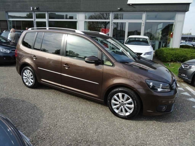 sold vw touran 2 0 tdi 140 cv high used cars for sale autouncle. Black Bedroom Furniture Sets. Home Design Ideas