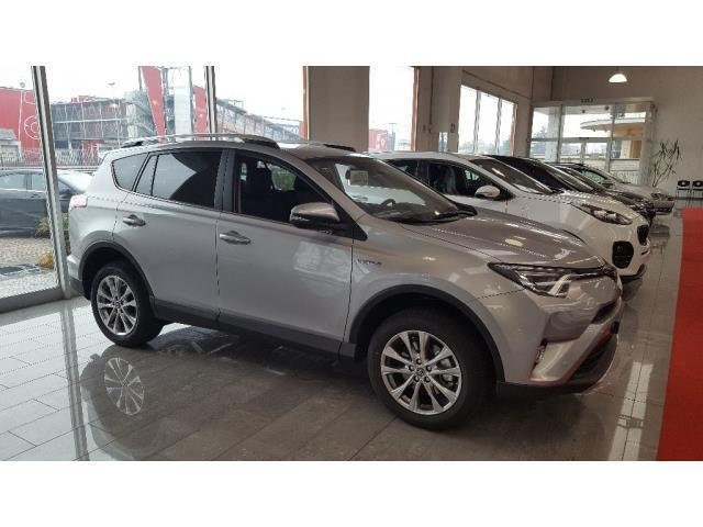 usato rav 42 5 hybrid 2wd active my17 toyota rav4 2017 km 0 in brescia. Black Bedroom Furniture Sets. Home Design Ideas