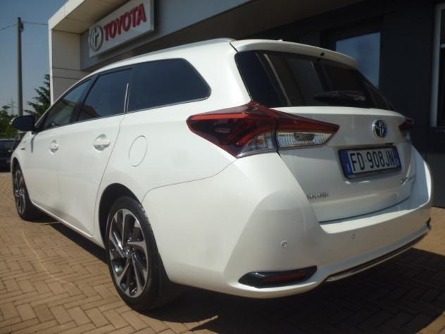 sold toyota auris 1.8 hybrid activ. - used cars for sale - autouncle