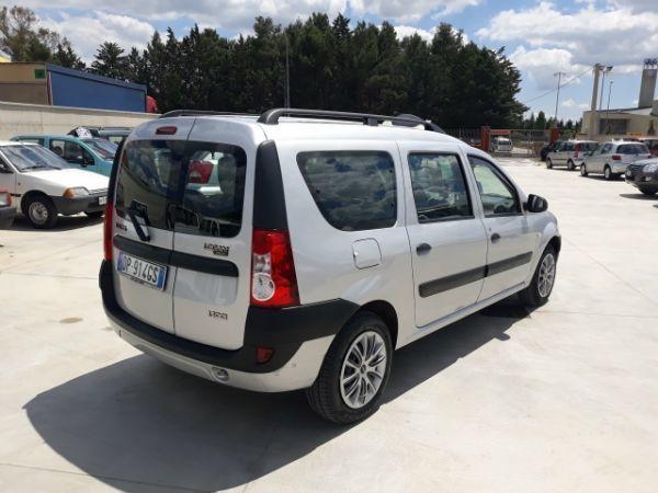 Venduto dacia logan 1500 dci 7 posti auto usate in vendita for Dacia duster 7 posti