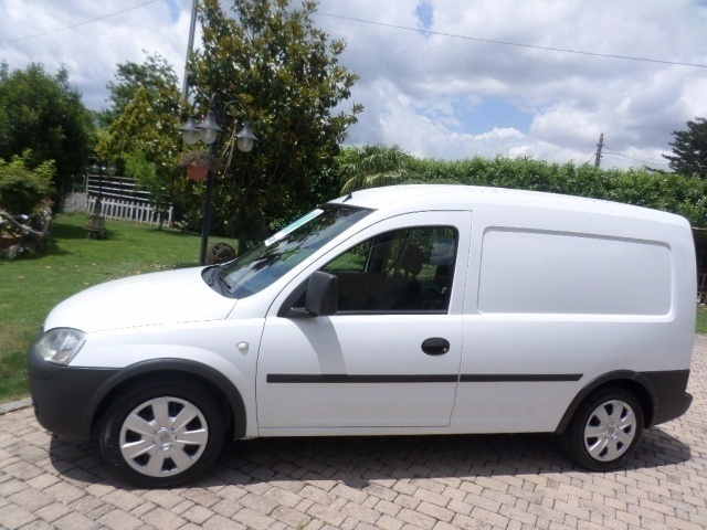 sold opel combo 1 6 cng eco m me used cars for sale. Black Bedroom Furniture Sets. Home Design Ideas