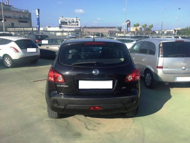 sold nissan qashqai 1 5 dci 106 cv used cars for sale autouncle. Black Bedroom Furniture Sets. Home Design Ideas