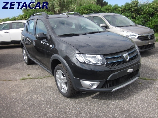 usato stepway gpl 900 tce prestige dacia sandero 2015 km 0 in roma. Black Bedroom Furniture Sets. Home Design Ideas