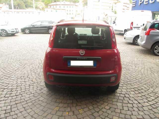 Venduto fiat panda 3 serie 1 2 pop auto usate in vendita for Fiat panda pop accessori di serie