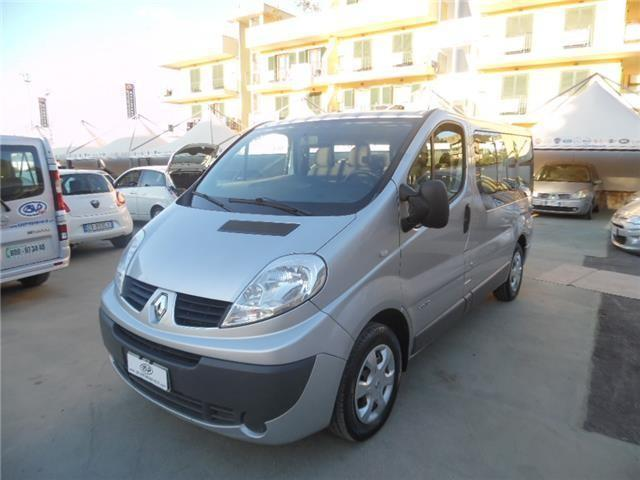 sold renault trafic t27 2 0 dci 11 used cars for sale autouncle. Black Bedroom Furniture Sets. Home Design Ideas