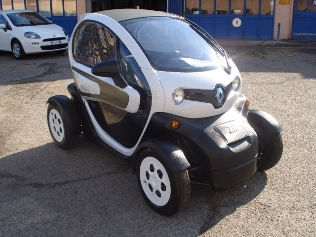 sold renault twizy color 80 used cars for sale autouncle. Black Bedroom Furniture Sets. Home Design Ideas