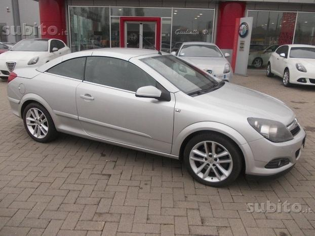 sold opel astra cabriolet twin used cars for sale. Black Bedroom Furniture Sets. Home Design Ideas