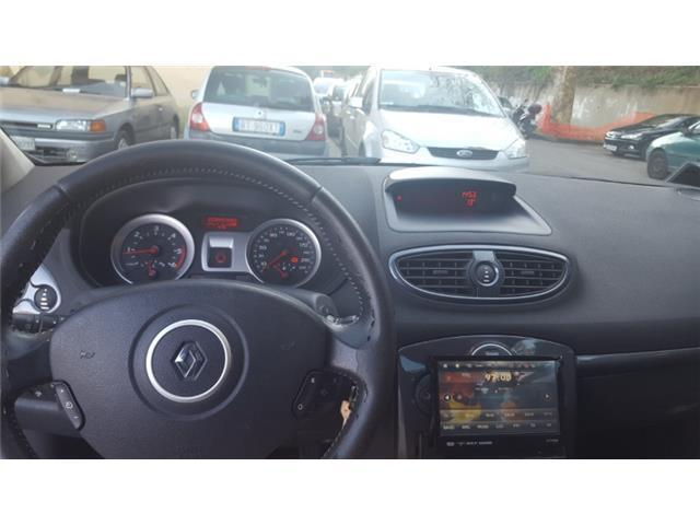 sold renault clio 1 5 dci 105cv 3 used cars for sale autouncle. Black Bedroom Furniture Sets. Home Design Ideas