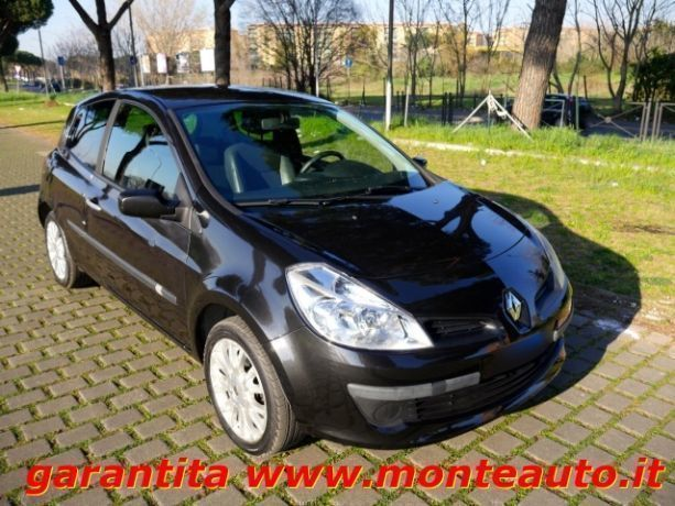 sold renault clio iii 1 5 dci 85cv used cars for sale autouncle. Black Bedroom Furniture Sets. Home Design Ideas
